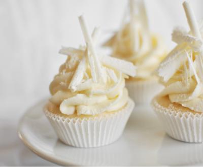 Festively white cupcakes…